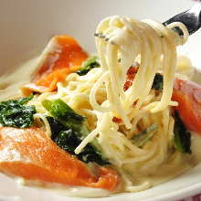 鮭魚奶油義大利麵
