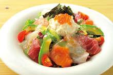 酪梨海鮮沙拉