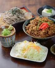 牛肋肉蓋飯和油炸豆腐烏龍麵或蕎麥麵定食
