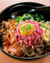 生拌肉石鍋飯
