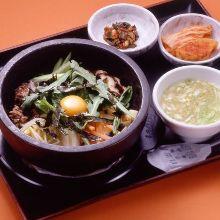 韓式石鍋拌飯定食