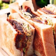 炸牛排三明治