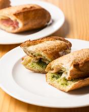 法式長棍麵包三明治