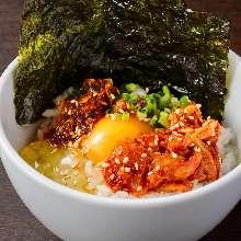 醃鱈魚內臟生雞蛋蓋飯