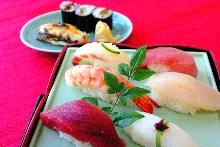 握壽司拼盤 附味噌湯