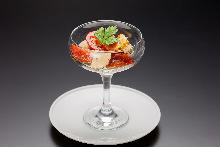 番茄卡布里沙拉 拌柚子胡椒