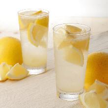 新鮮葡萄柚碳酸酒