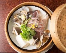 酒蒸鯛魚下巴和蛤蜊