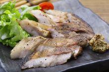 稻草熏豬肉