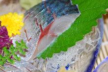 炙烤醋漬鯖魚生魚片