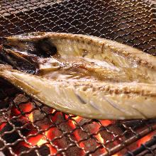活鯖魚(活跳生魚片或燒烤)