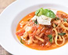 羅勒番茄醬義大利麵